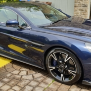 Aston_Martin_V12_Vanquish